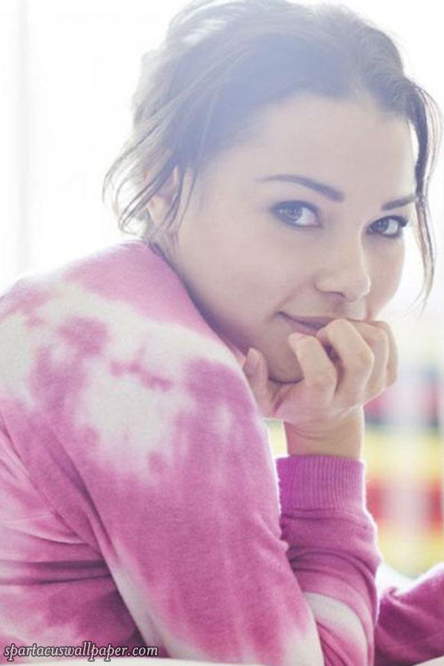 Jessica Parker Kennedy Iv Desktop Backgrounds Mobile